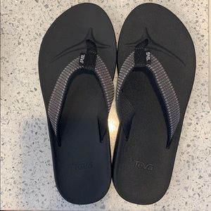🆕Teva Black - Arch Support Flip Flops, 5